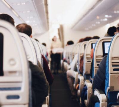 Hoe lang is het vliegen naar Aruba? En 7 manieren om je te vermaken tijdens de vlucht